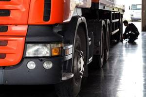 Can I Collect Compensation After a Truck Accident Caused by Defective Equipment?